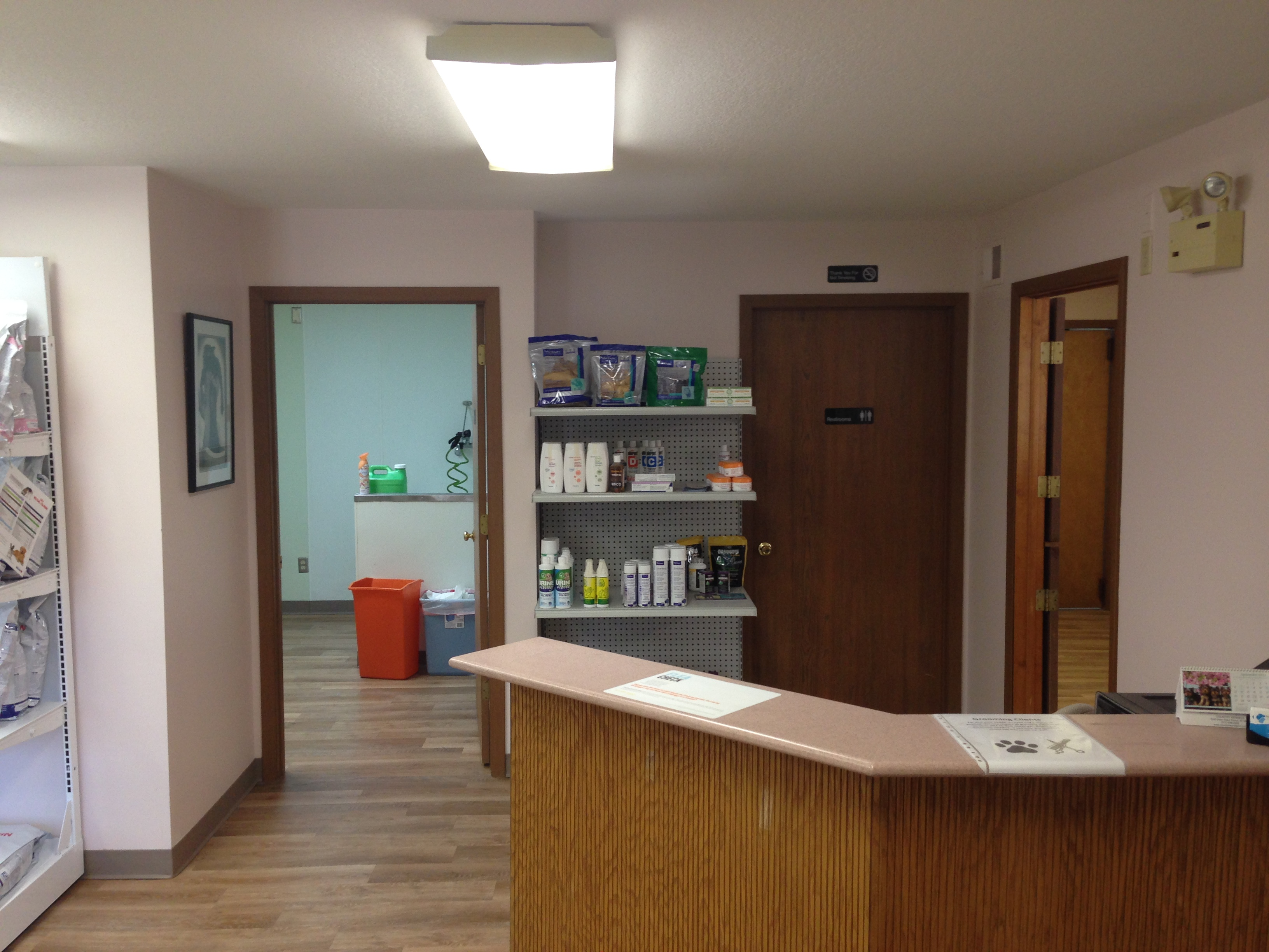 Pointe Animal Hospital front desk