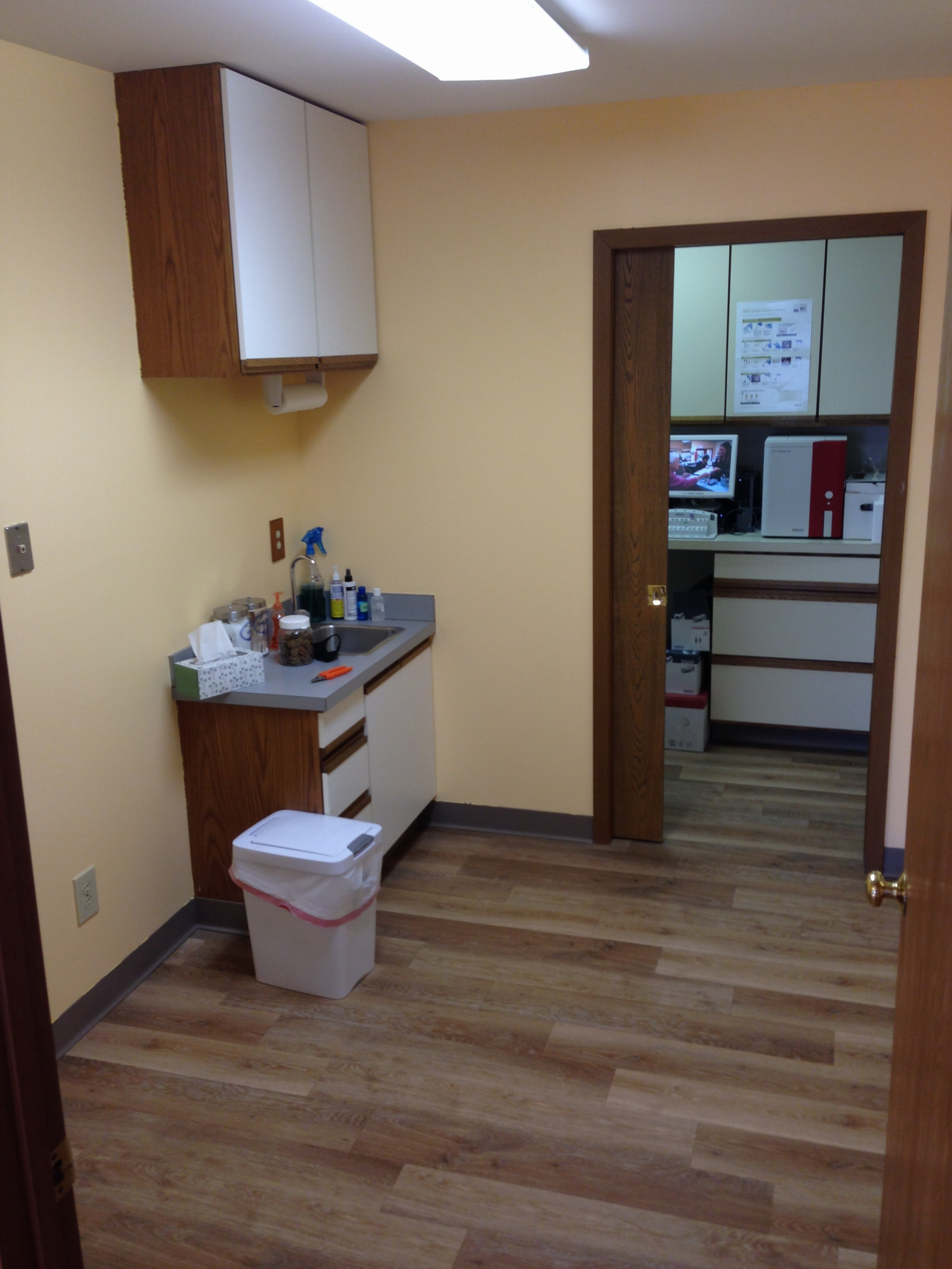 Pointe Animal  Hospital exam room